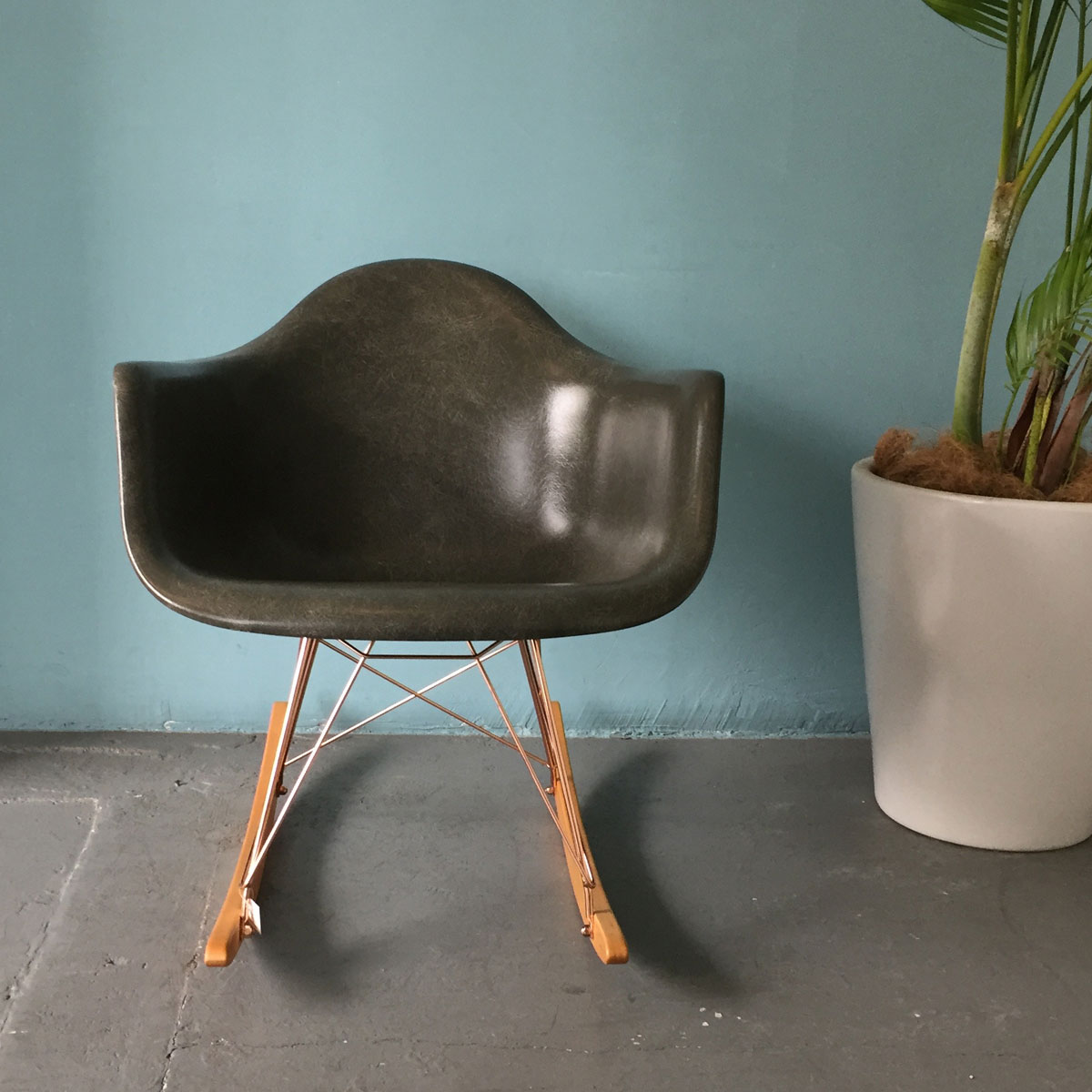 GS FIBERGLASS ARM SHEL ROCKER CHAIR BY MODERNICA okinawa